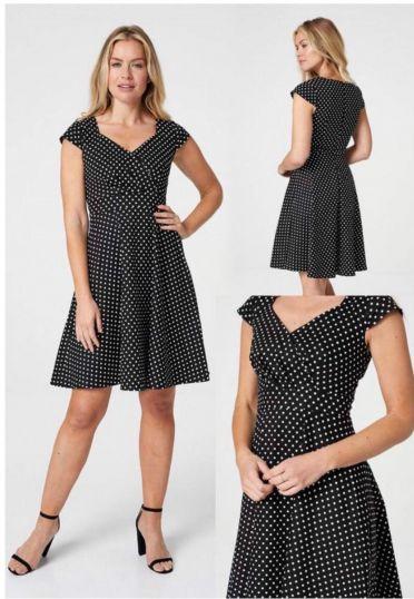 Spotted sweet heart neckline dress